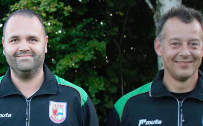 Trainers Jorden Abel en Richard Schlüter verlengen bij v.v. Schoonebeek ✅